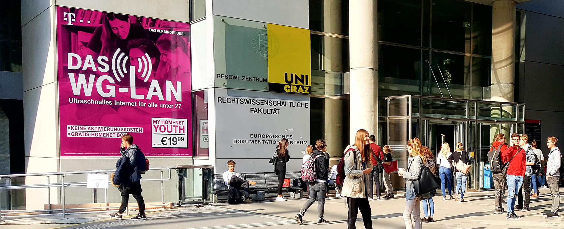 T-Mobile Branding an österreichs Unis - XXL Kampagne