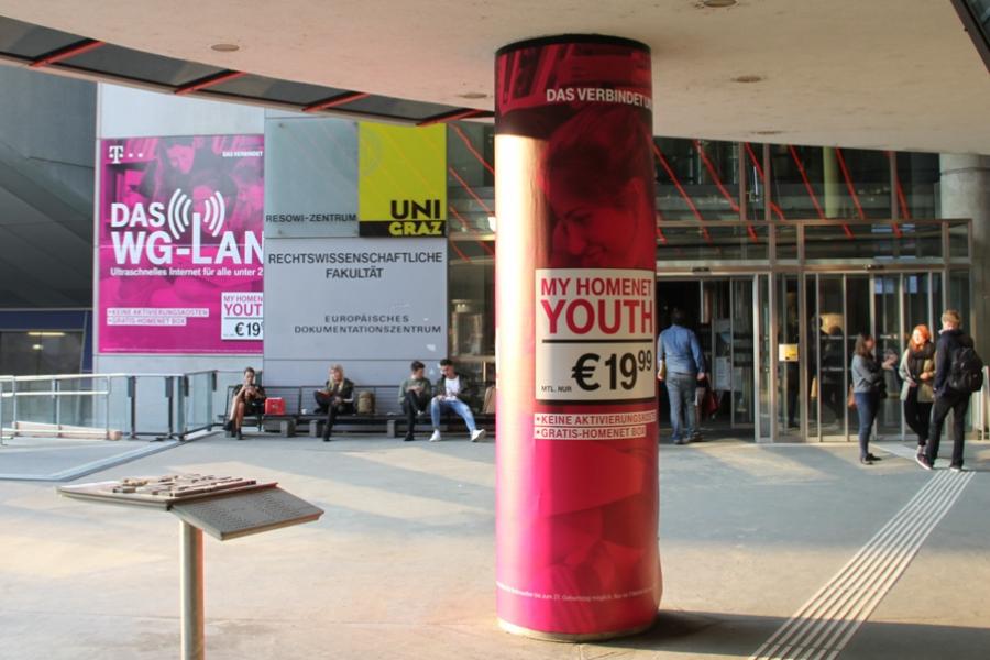 T-Mobile | Säulen und Wandbranding Uni Graz